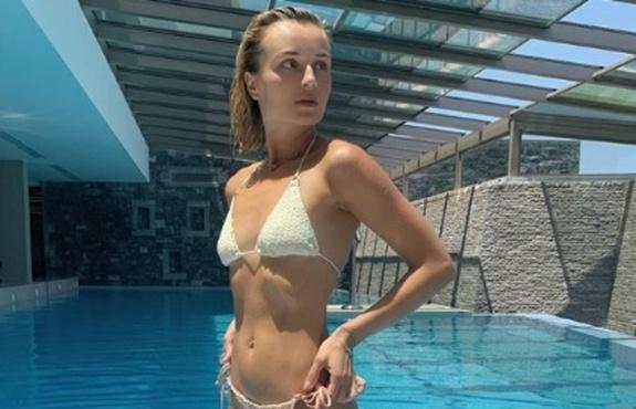 Российская певица пожаловалась на изобилие купальников