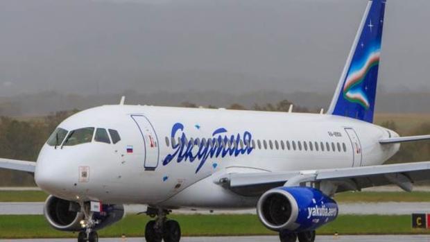 Пассажирский самолет SSJ-100 совершил экстренную посадку