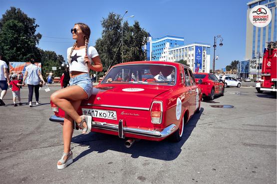 В Параде Красных Машин примут участие пассажиры красного двухэтажного автобуса