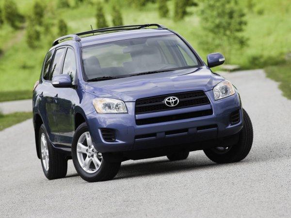 Без слёз не взглянешь: Чего ожидать от б/у Toyota RAV4 за 550 тысяч рублей