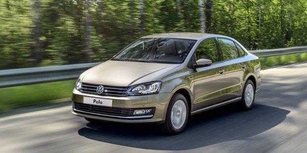 «Это машина для всех»: Автоледи объяснила, почему купила Volkswagen Polo