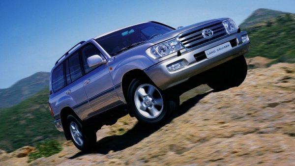«Вложил 150 тысяч и это еще не все»: Каковы тяготы и радости покупки Toyota Land Cruiser с пробегом – владелец