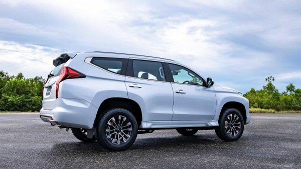 Стоит подождать или купить «Крузак»? Блогер представил обзор нового Mitsubishi Pajero Sport