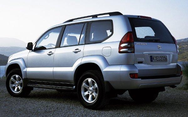 «Я ещё таких машин не видел»: Чего ожидать от 11-летнего Toyota LC 120 по низу рынка – эксперт