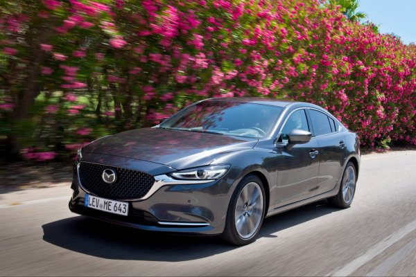 «Тачка хороша, но Камри лучше»: Автовладелец озвучил сильные и слабые стороны Mazda 3 2018 года