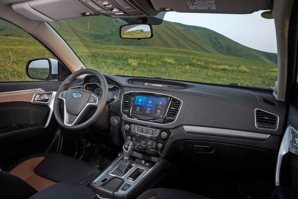 «Почему он остается в тени Атласа?»: Блогер выяснил, насколько функционален новый Geely Emgrand X7
