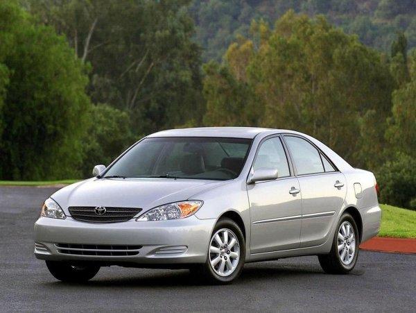 «На волне одноразовых современных авто»: Почему Toyota Camry 30 до сих популярна – блогер