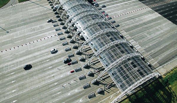 «За 8 лет ничего не поменялось»: За что вообще автомобилисты платят деньги на трассе М4 «Дон» – сеть