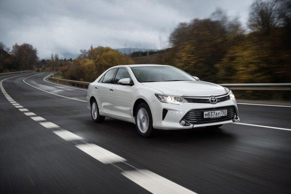 «Камрюхи», которых никогда не было: Блогер развенчал мифы о модельном ряде Toyota Camry