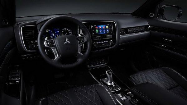 Экономят на всем. Каким стал новый Mitsubishi Outlander?