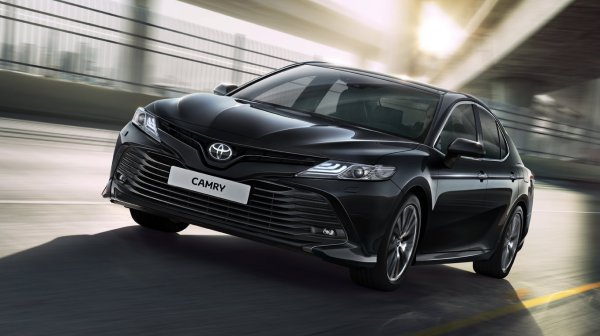 «О Камри либо хорошо, либо ничего»: Toyota Camry  для российского и американского рынка сравнили в сети