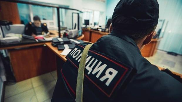 Молодой человек сдал в полицию двустволку и получил 7 тысяч рублей