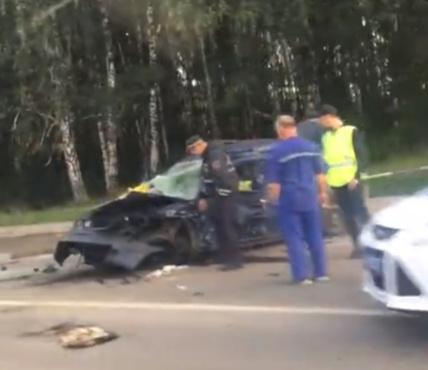 В Тюмени водитель Mercedes устроил жесткое ДТП с пострадавшими: пятерых забрала скорая помощь - видео