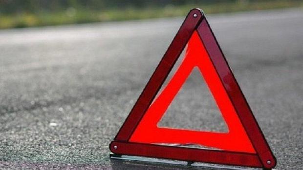 В результате столкновения легковушки с фургоном пострадала 10-летняя девочка