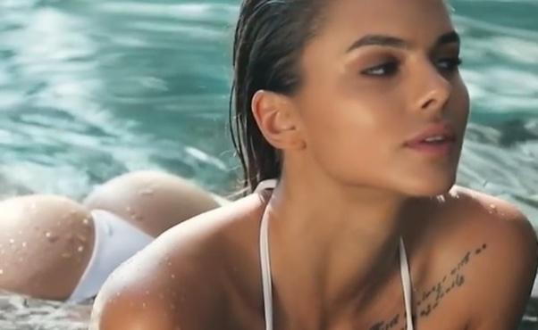Эротический клип российской модели набрал полмиллиона просмотров
