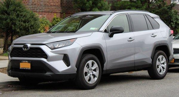 «Вечного нет ничего!»: Блогер откровенно рассказал о 16-летнем Toyota RAV4