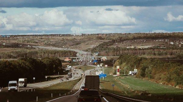 «600 км без права на туалет»: В сети пожаловались на невозможность остановки по трассе М4 «Дон»