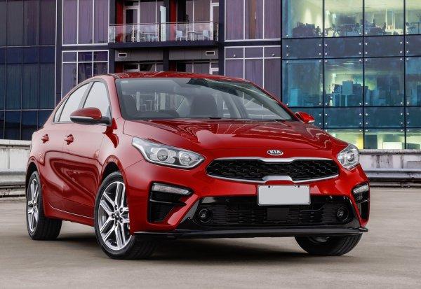 «Не из чего выбирать за 1,3 миллиона»: Автовладелец поделился впечатлениями от езды на KIA Cerato 2019