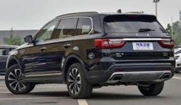 «Тойота не может, а Китай делает»: Блогер поделился впечатлениями от нового Hongqi HS7