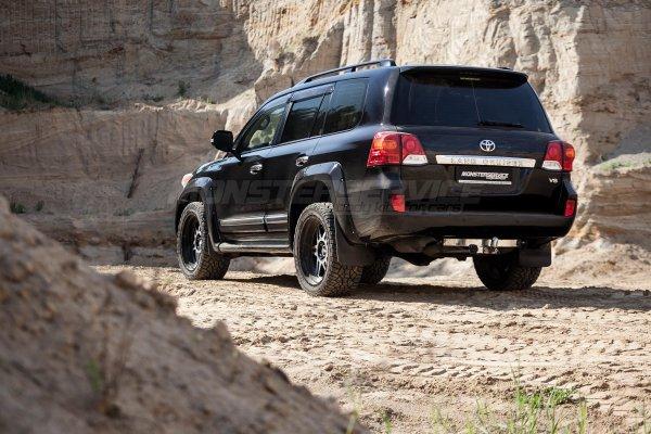 Меняет представление о роскоши: «Фешенебельная» Toyota Land Cruiser VXR восхитила эксперта