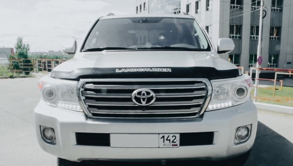 «Как будто на турбо-тачке гоняешь»: Блогер сравнил чипованный дизельный и бензиновый Toyota Land Cruiser 200