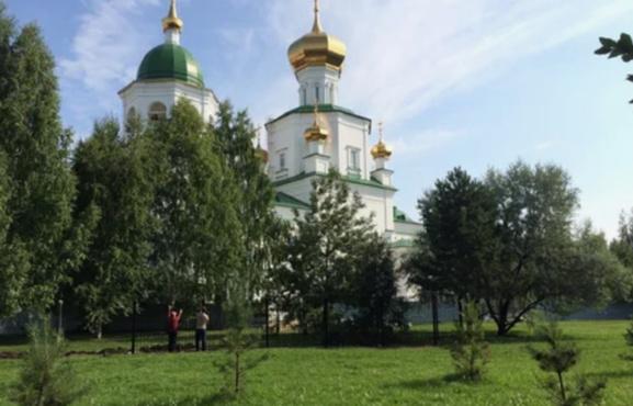 Тюменская церковь получила часть земли городского сквера
