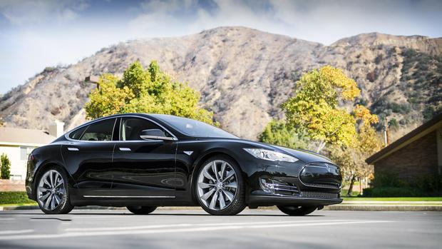 Сбой в приложении: водители электрокаров Tesla несколько часов не могли открыть свои машины