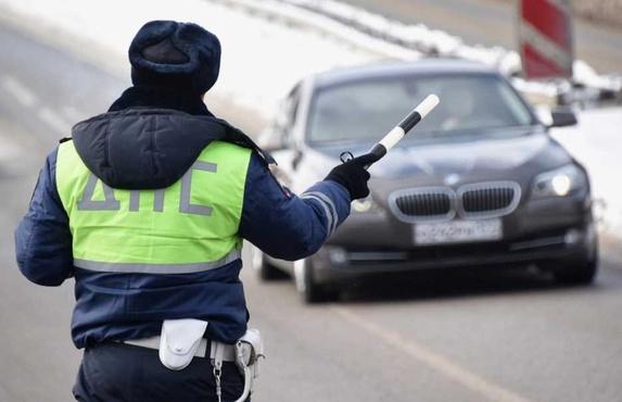 Названы самые аварийные тюменские трассы. На дорогах станет больше инспекторов ГИБДД
