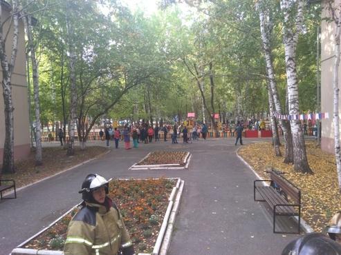В Тюмени из детского сада эвакуировали 124 человека - фото
