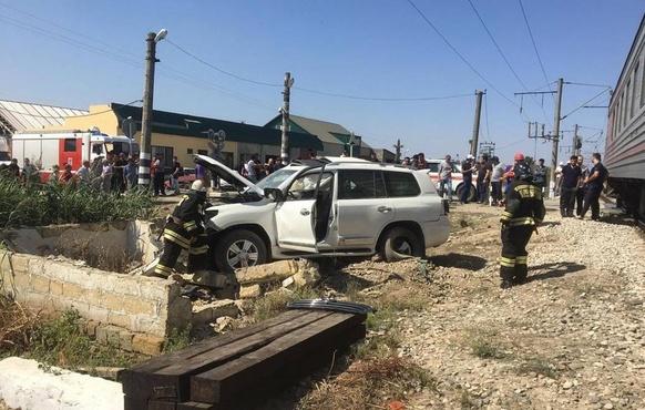 В больнице скончался третий пассажир внедорожника, который врезался в поезд Тюмень — Махачкала