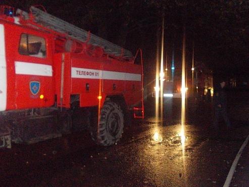 В Тюмени из-за пожара из дома эвакуировали 15 человек. Один пострадал