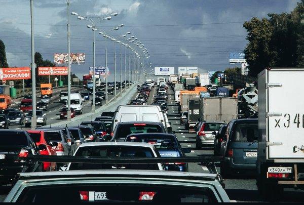 «Эту клоаку оставили на потом»: Водители обсудили рекорды пробки в Лосево на М4 «Дон»