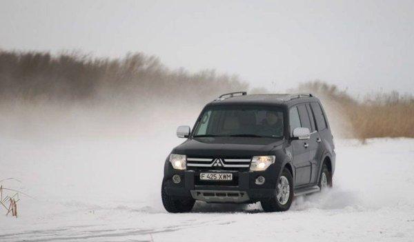 «12 тысяч за гарантию, которую не получу»: Владелец Mitsubishi Pajero 4 пожаловался на муки выбора зимней резины