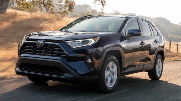 «Качество положить забыли?»: Toyota RAV4 хуже всех своих конкурентов – блогер