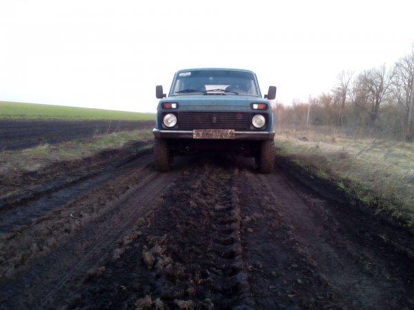 «Ламбы и Тойоты никому не уперлись!»: Блогер восстановил LADA 4x4 за 10 000 рублей