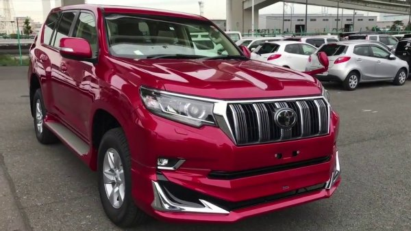 Машина хорошая, цена ненародная: Блогер рассказал о праворульном Toyota Land Cruiser Prado
