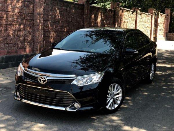 «Печалька по низу рынка»: Что ждать, покупая б/у Toyota Camry 55 за 1,1 млн рублей – блогер