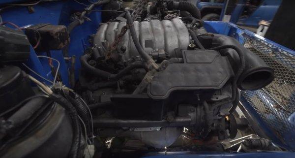 «Поражает до глубины души»: Блогеров удивила установка мотора V8 встарый Toyota Land Cruiser 40