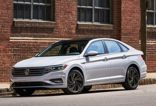 «Ученик превзошел учителя»: Чем новая Skoda Octavia лучше Volkswagen Jetta?