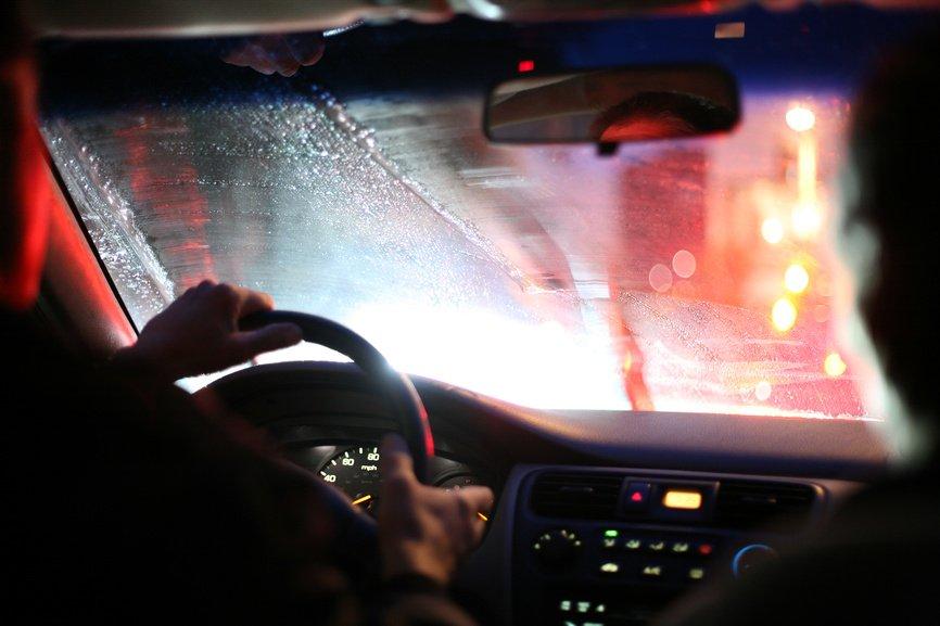 Как защитить стекла Toyota Land Cruiser от запотевания