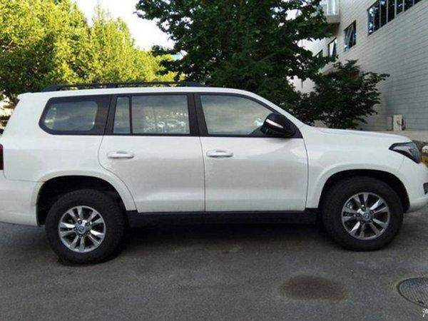 Неповторимая подделка и жалкий оригинал: Китайский Hengtian L4600 оказался дешевле Toyota Land Cruiser в 4 раза