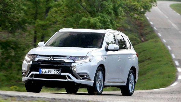 О «бедном» китайце замолвите слово: Стоит ли купить Haval F7 вместо Mitsubishi Outlander?