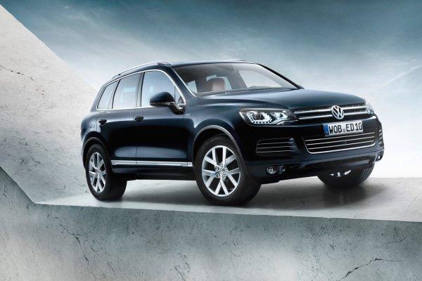 Зачем вообще смотреть в сторону бюджетных иномарок, если есть Volkswagen Touareg на «вторичке»?