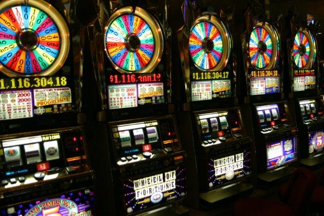 Как выиграть джекпот в казино с мобильного