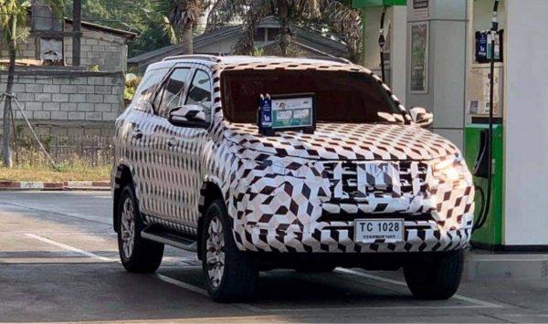Популярность нового KIA Mohave под вопросом: Обновленный Toyota Fortuner готовится к премьере