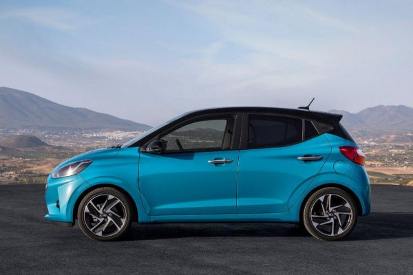 Не стоит путать Hyundai Aura с Aurus: Бюджетный седан лучше автомобилей представительского класса для президента?