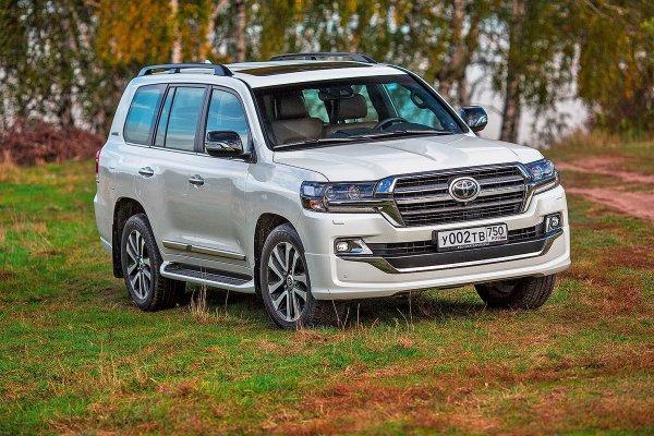 Председатель колхоза на выгуле: Чего ожидать, покупая б/у Toyota Land Cruiser 200 за 1,5 миллиона рублей?