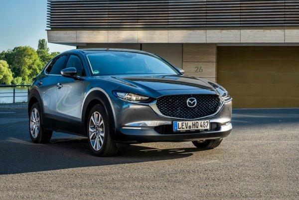 Стильный «японец» против скромного «чеха»: Почему стоит выбрать Skoda Karoq вместо Mazda CX-30