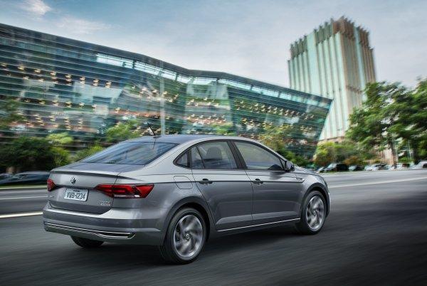 Корейский агрессивный стиль против немецкой надежности: Почему обновленный Volkswagen Polo «сдатся» перед рестайлинговым Hyundai Solaris