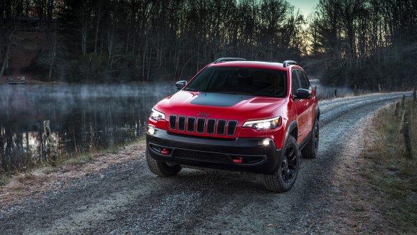 Для рыбалки и охоты в стиле «лакшери»: Почему Jeep Grand Cherokee Trailhawk стоит своих денег?